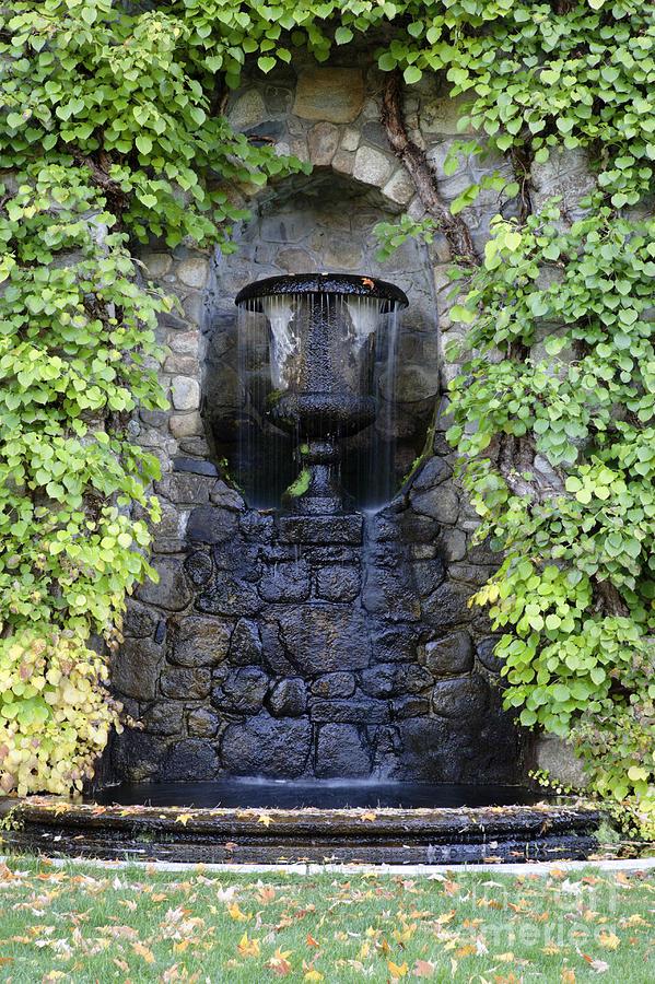 Gardens Photograph - The Fells Historic Estate - Newbury Nh Usa by Erin Paul Donovan
