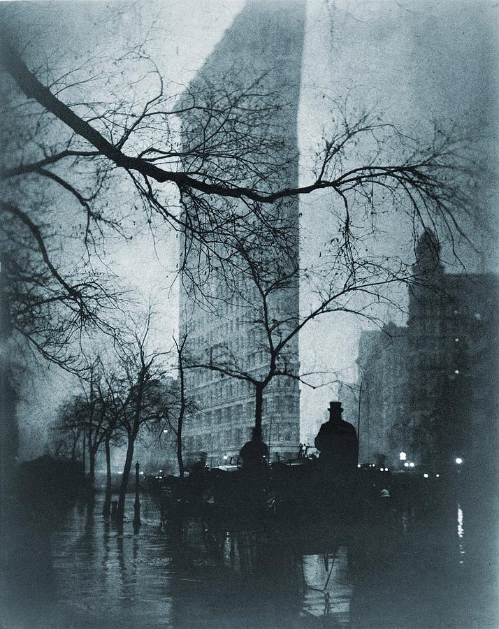 History Photograph - The Flatiron Building, New York City by Everett