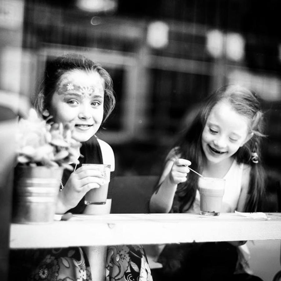 Coffee Photograph - The Girls At Bean There Coffee Shop by Aleck Cartwright
