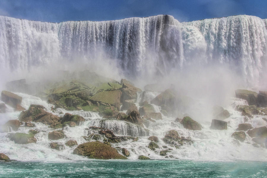 The great Niagara by Tammy Espino