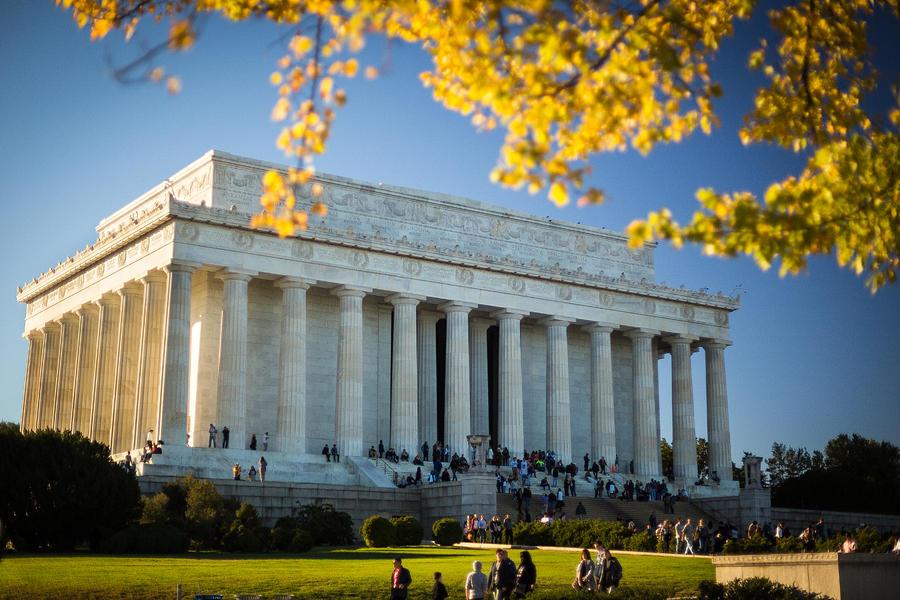 Washington Photograph - The Lincoln Memorial, autumn by Robert Davis