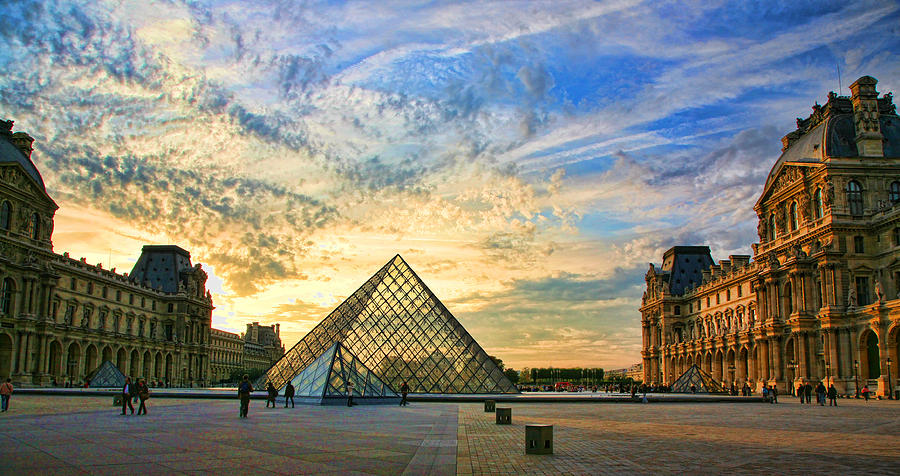 France Photograph - The Louvre At Sunset by Chuck Kuhn