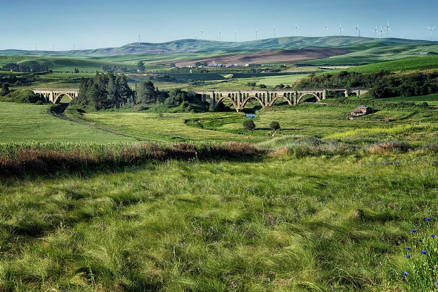 Washington Photograph - The Milwaukee Road Railroad Viaduct Near Rosalia Wa Dsc05095 by Greg Kluempers