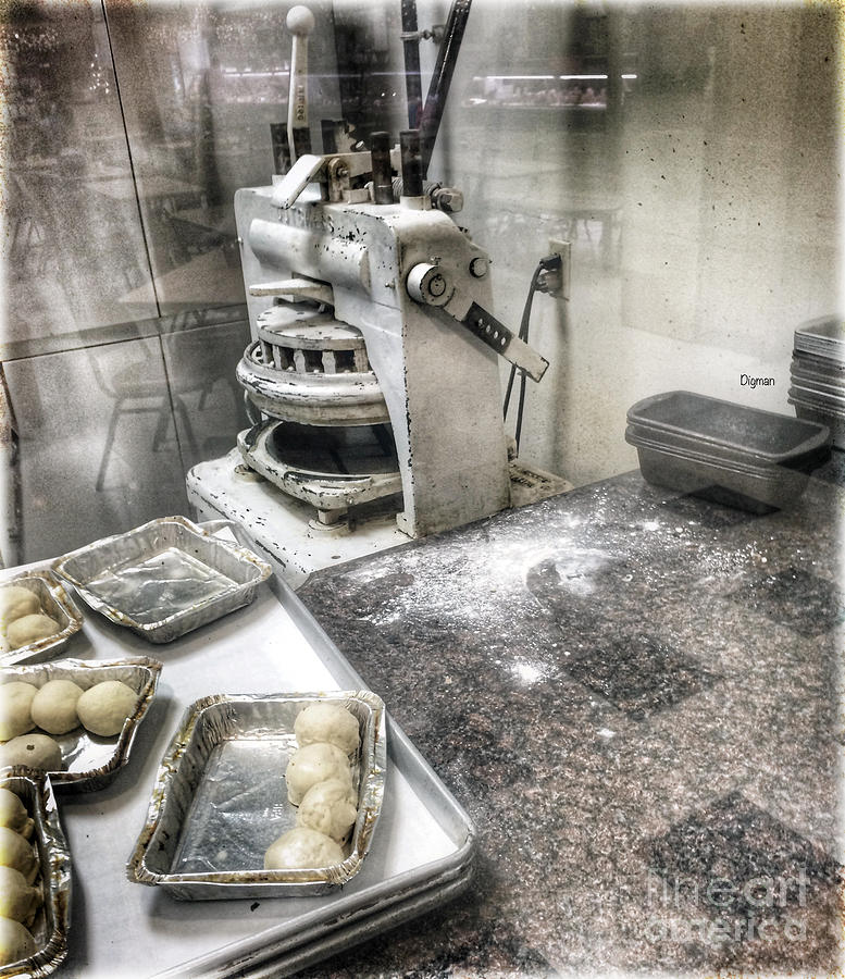 Bakery Photograph - The Old White Dutchess  by Steven Digman