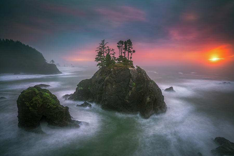 America Photograph - The Oregon Coast Sunset by William Freebilly photography