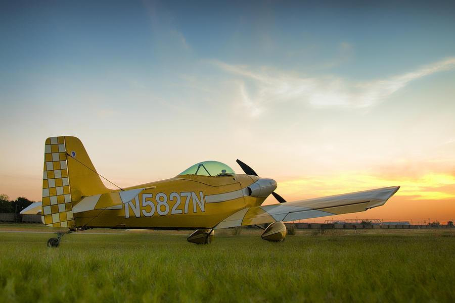 Rv Airplane Photograph - The Original by Steven Richardson