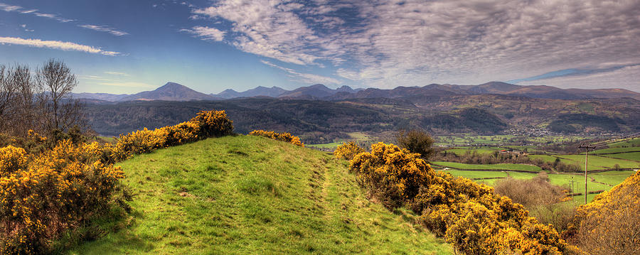 Mountains Photograph - The Picnic Spot Of Dreams by Philip Brown