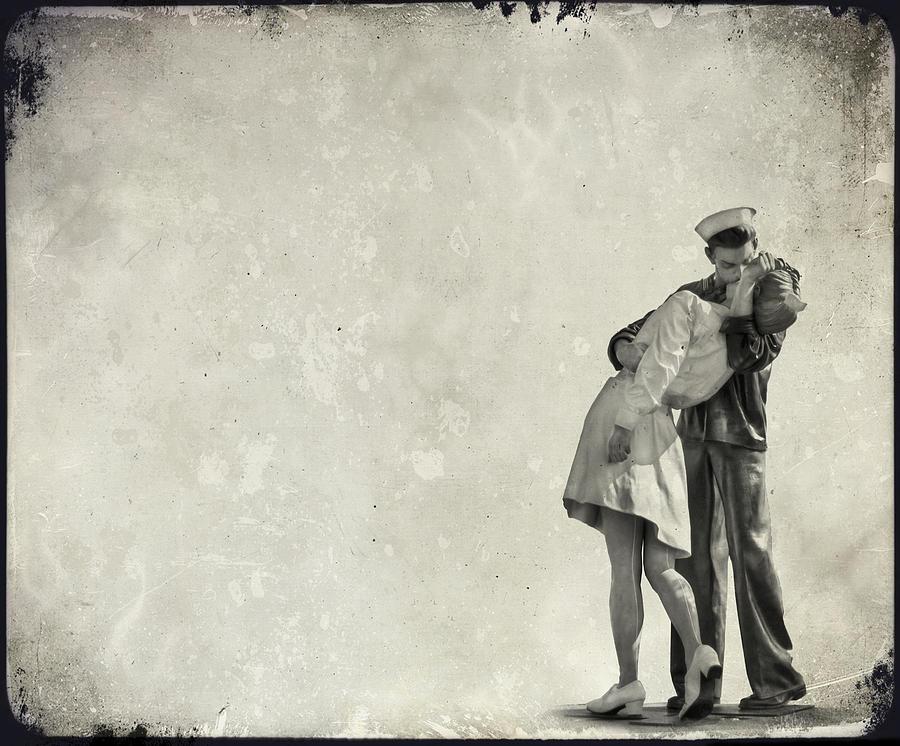 Kiss Photograph - The Power of a Kiss by Evelina Kremsdorf