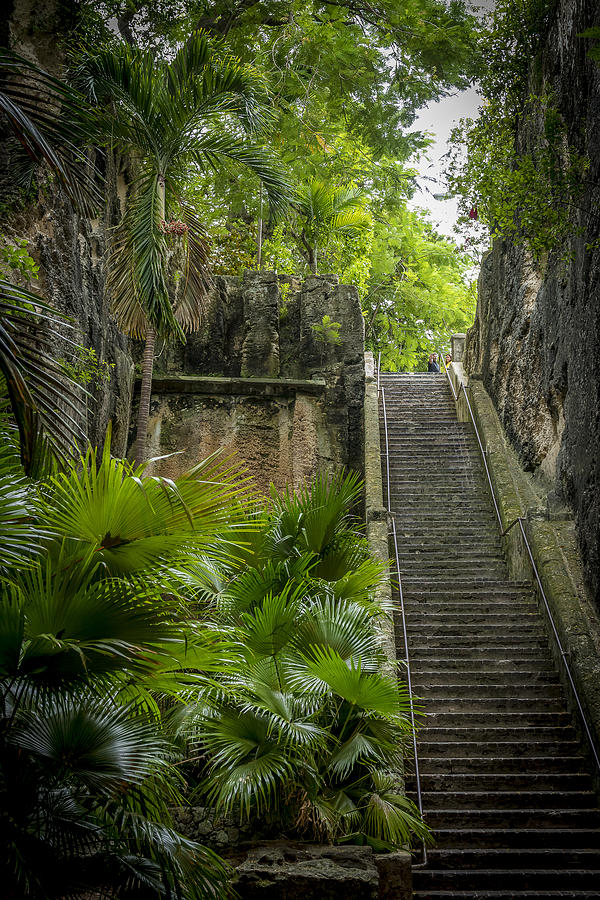 Nassau Photograph - The Queens Staircase #1 by Vincent Asbjornsen