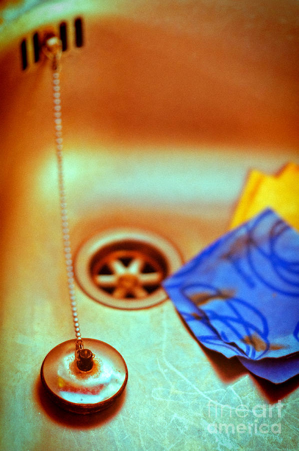 Sink Photograph - The Sink by Silvia Ganora