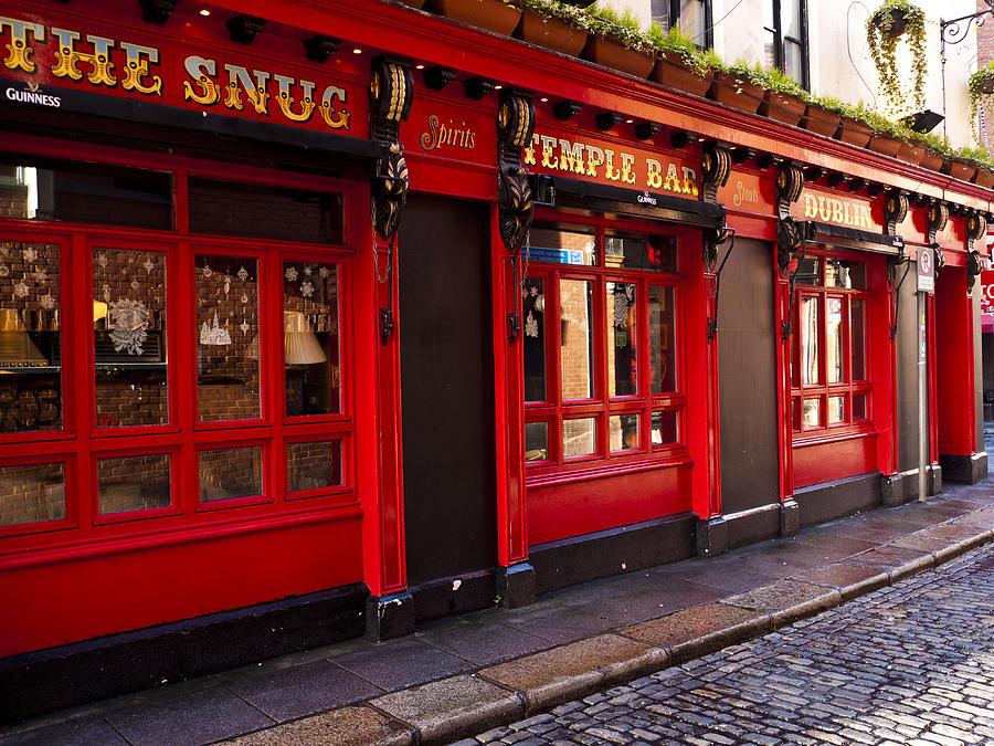Dublin Photograph - The Snug by Rae Tucker