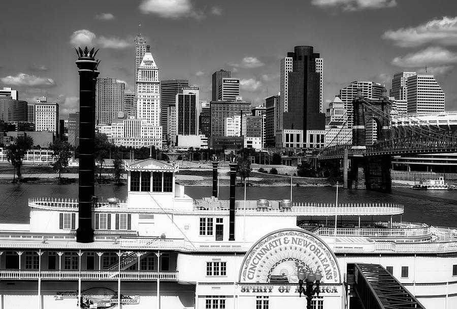 Cincinnati Photograph - The Spirit of America and Cincinnati  by L O C