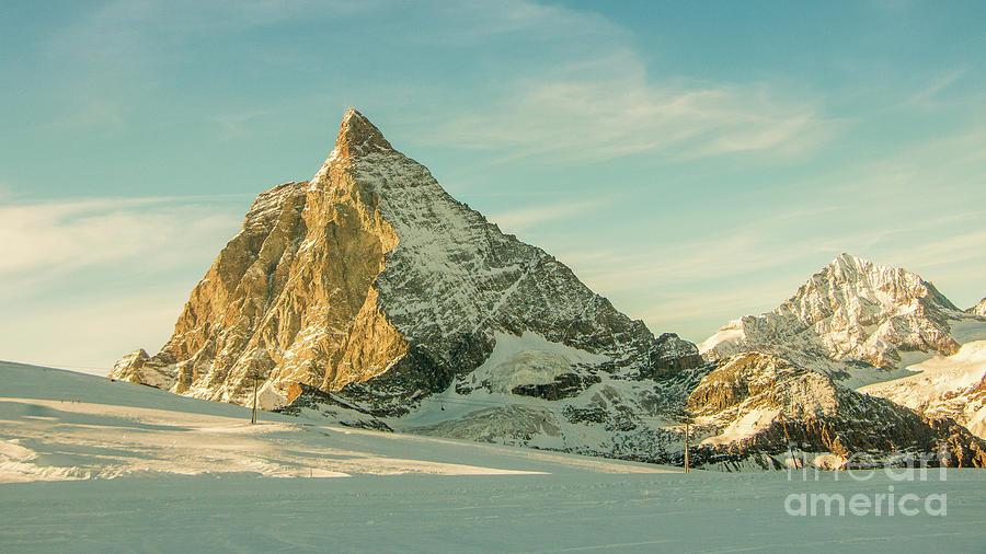 The sun sets over the Matterhorn by Fabrizio Malisan