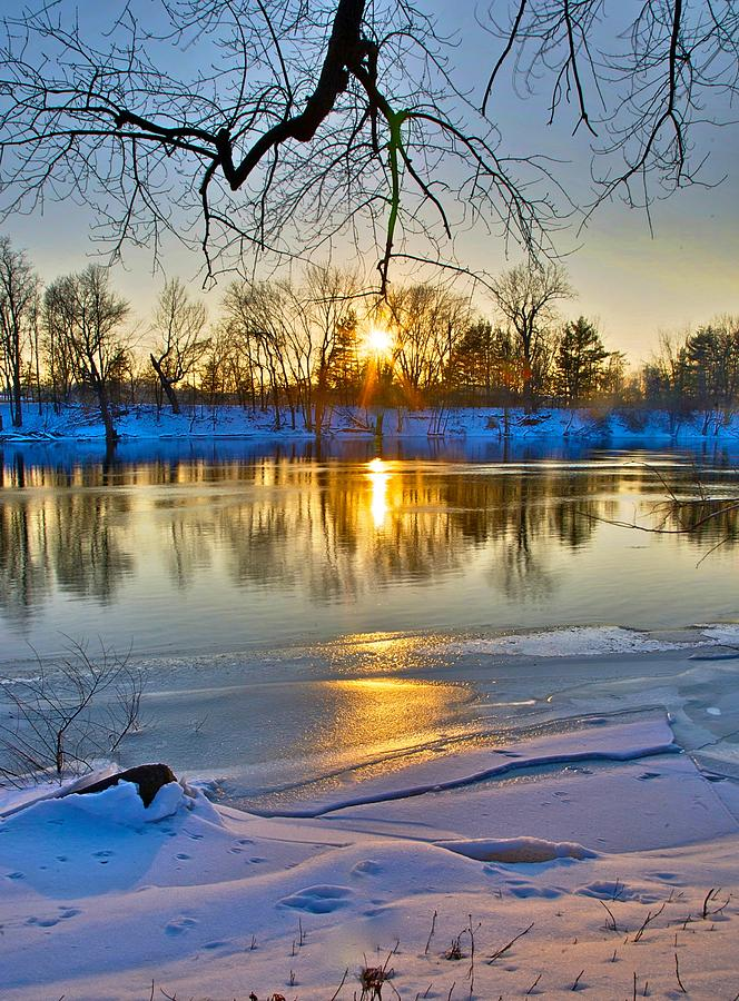 Snow Photograph - The Sunny Side by Robert Pearson