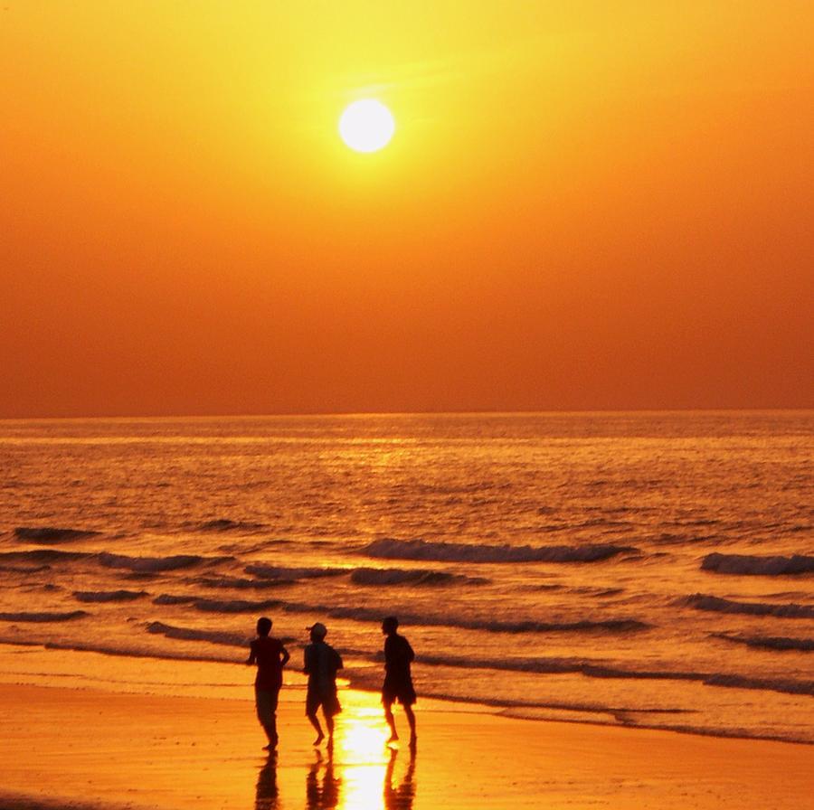 Sunset Photograph - The Sunset Run by Sunaina Serna Ahluwalia