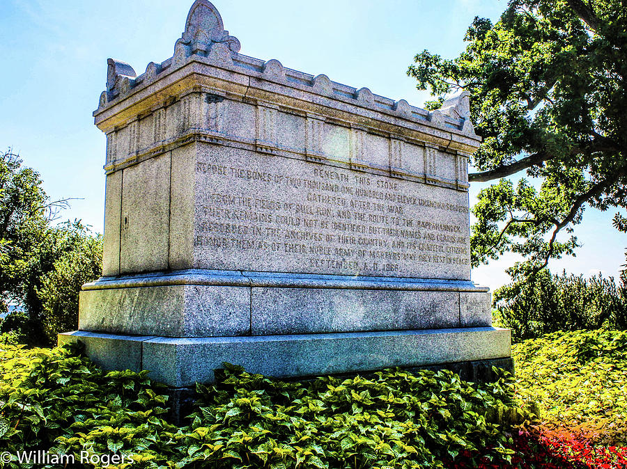 Virginia Photograph - The Tomb Of The Civil War Unknowns by William E Rogers