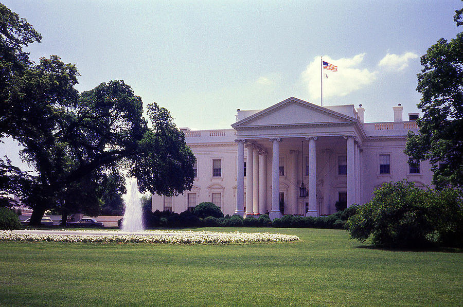 White House Photograph - The White House Front Lawn by Richard Singleton