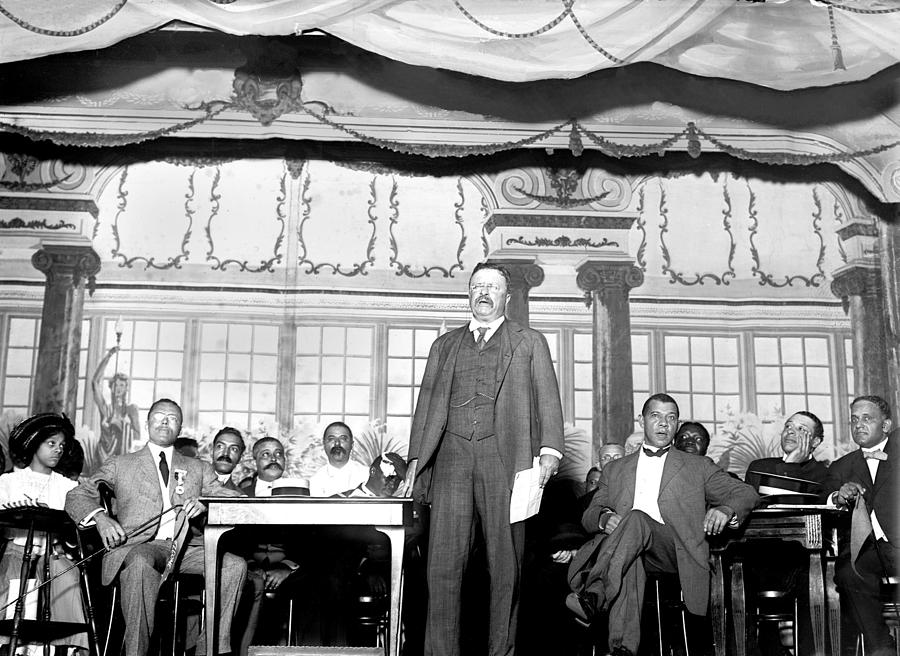 Us Presidents Photograph - Theodore Roosevelt Speaking At National by Everett