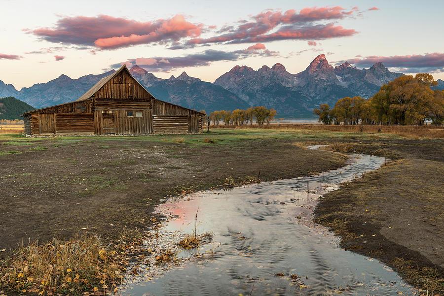 Thomas Moulton's Barn by Chuck Jason