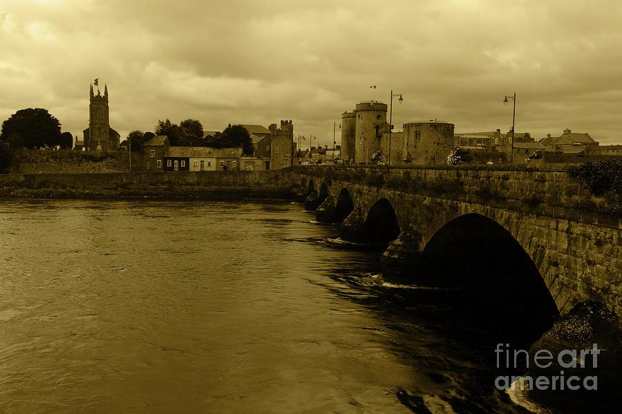 Thomond Bridge - Limerick Ireland by Julian Wicksteed