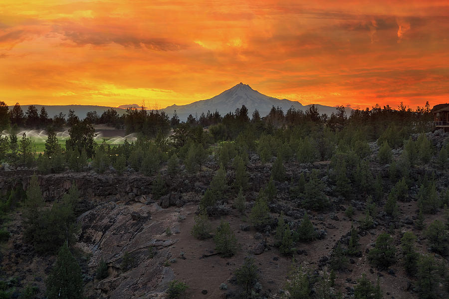 Mount Jefferson Photograph - Mount Jefferson At Sunset by David Gn