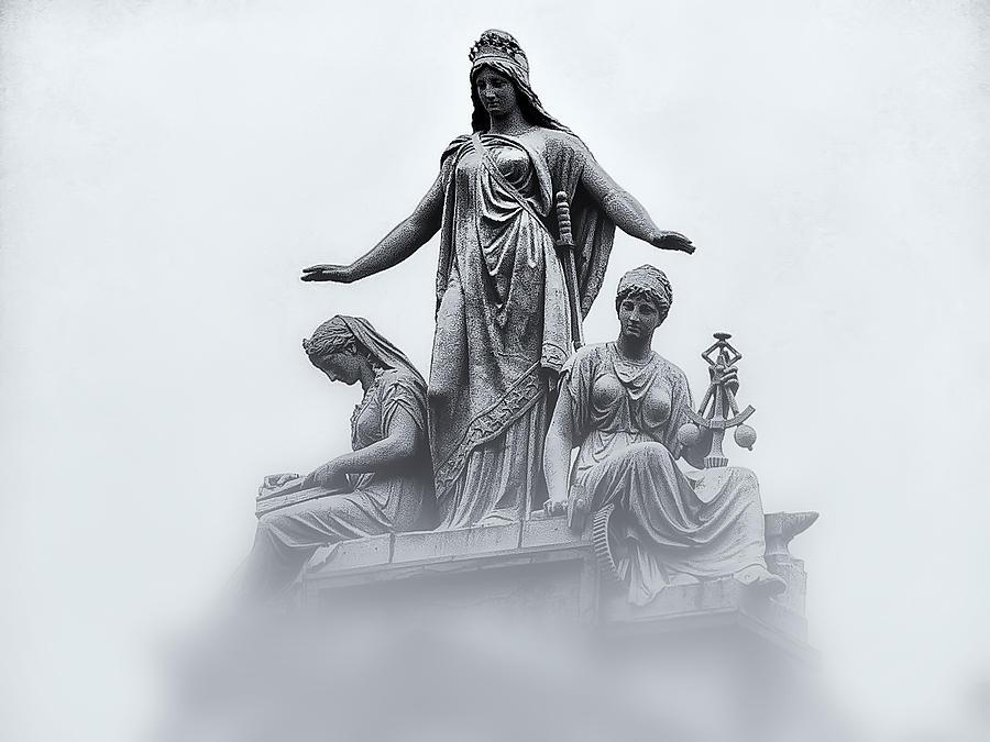 Washington Dc Photograph - Three Woman by Bill Cannon