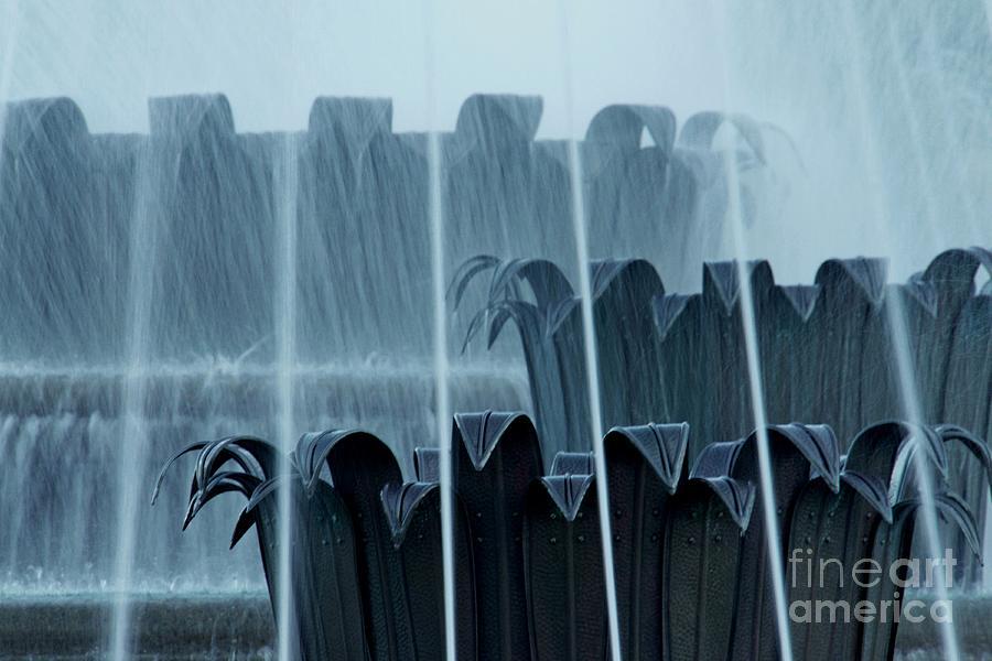 Tivoli Photograph - Tivoli Fountain by Patricia Strand