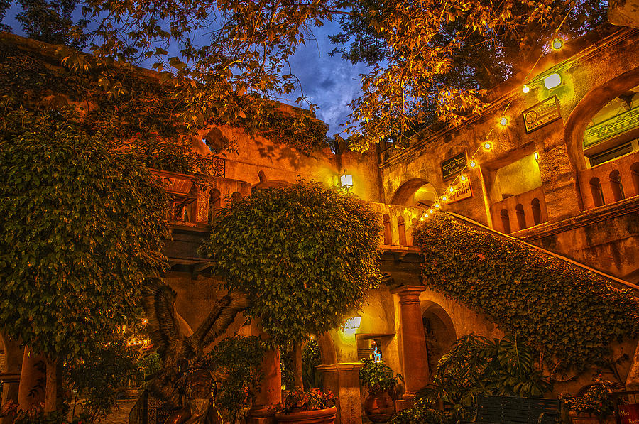 Tlaquepaque Photograph - Tlaquepaque Evening by Laura Pratt
