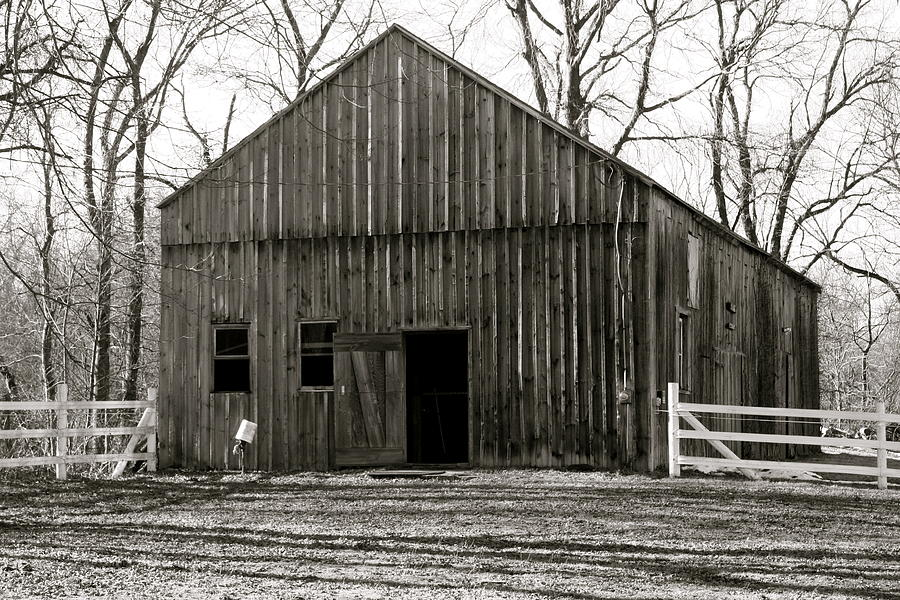 Tobacco barn photograph by paula deutz for Tobacco barn house plans