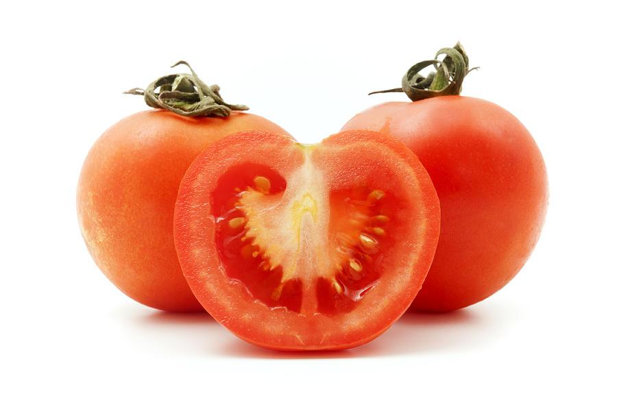 White Background Photograph - Tomatoes by Fabrizio Troiani