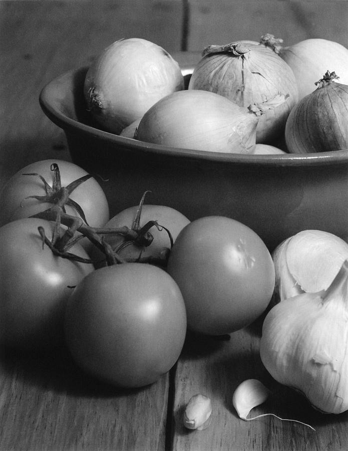 Cooking Photograph - Tomatos Onion And Garlic by Henry Krauzyk