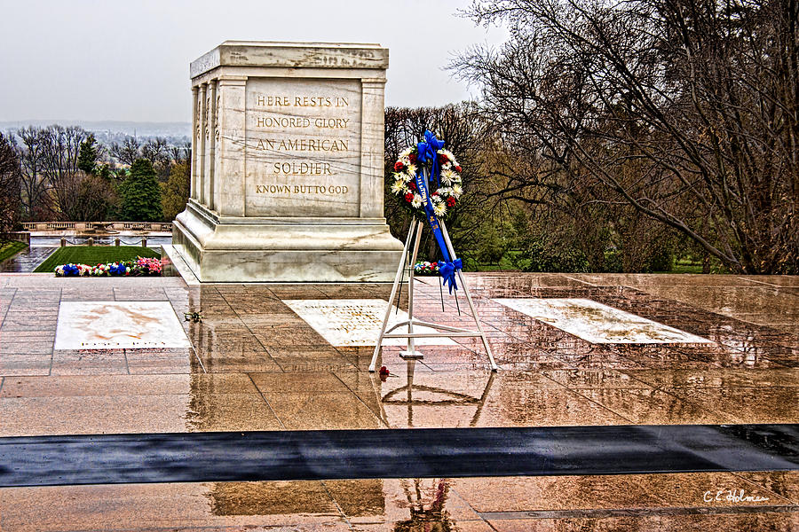Tomb Photograph - Tomb Of The Unknown Soldiers by Christopher Holmes