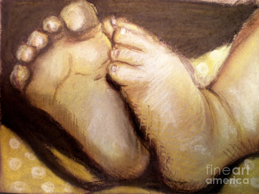 Babies Drawing - Tootsies by Maria Mills