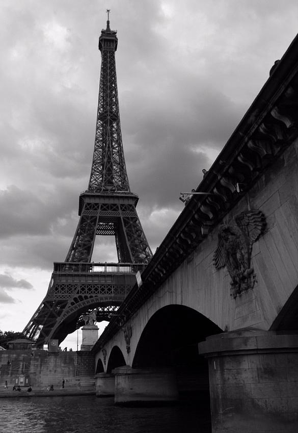 Paris Photograph - Tour Eiffel by Julia Loginova