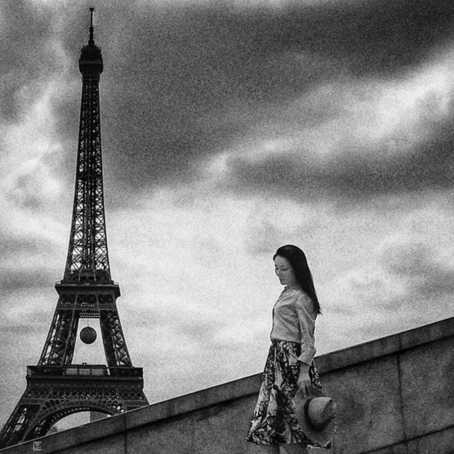 Blackandwhite Photograph - Tour Eiffel Mood  #woman #girl by Rafa Rivas
