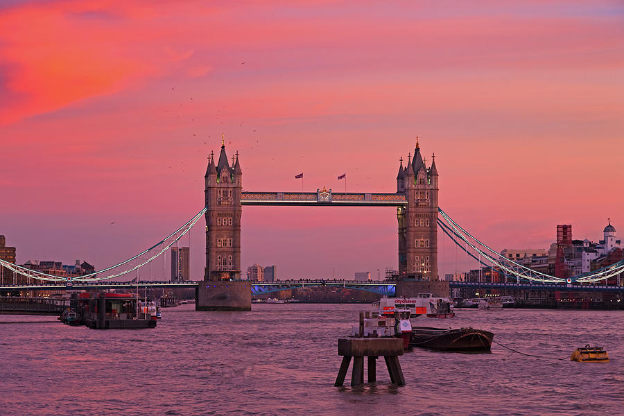 Tower Bridge London by Andy Myatt