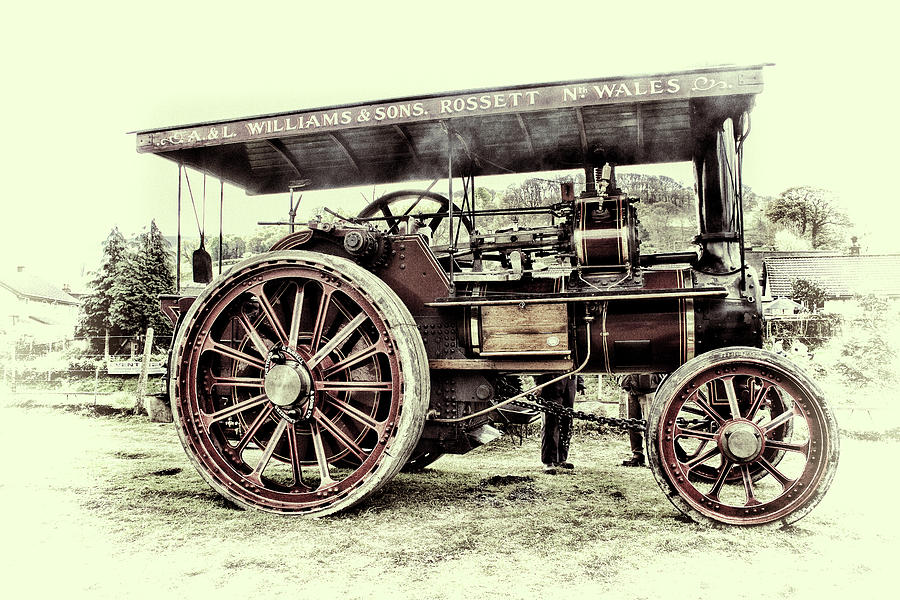 Traction Photograph - Traction Engine by Andrew Munro