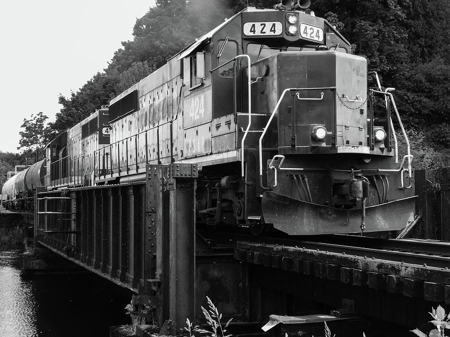 Train at Marathon Park by Tony Porter Photography