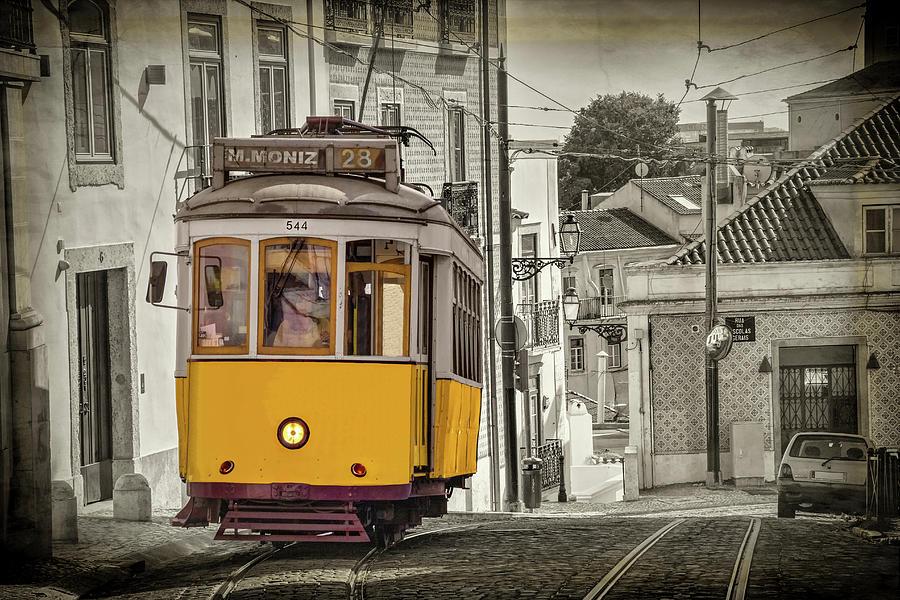 Открытка из лиссабона с трамваями