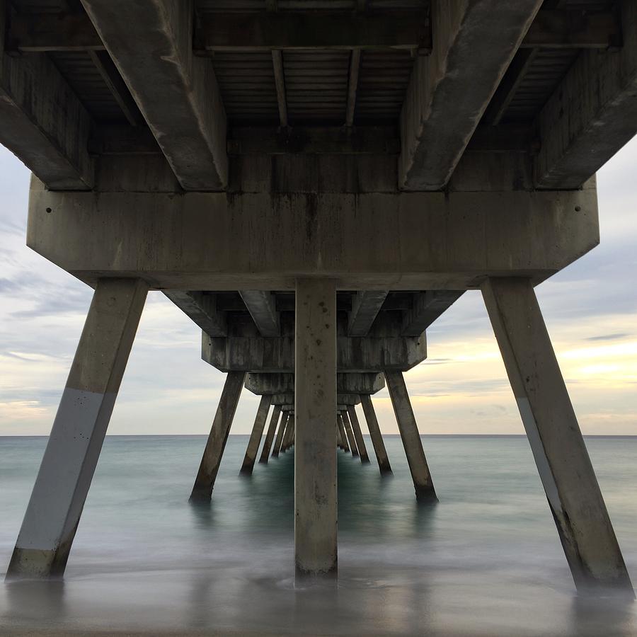 Tranquile Pier by Juan Montalvo