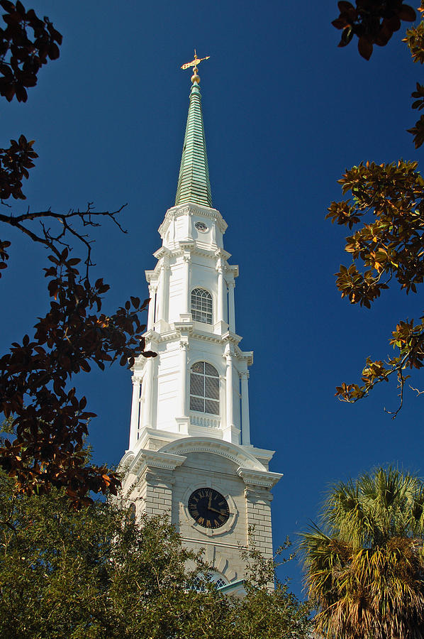 Steeple Photograph - True North - Savannah Steeple by Suzanne Gaff