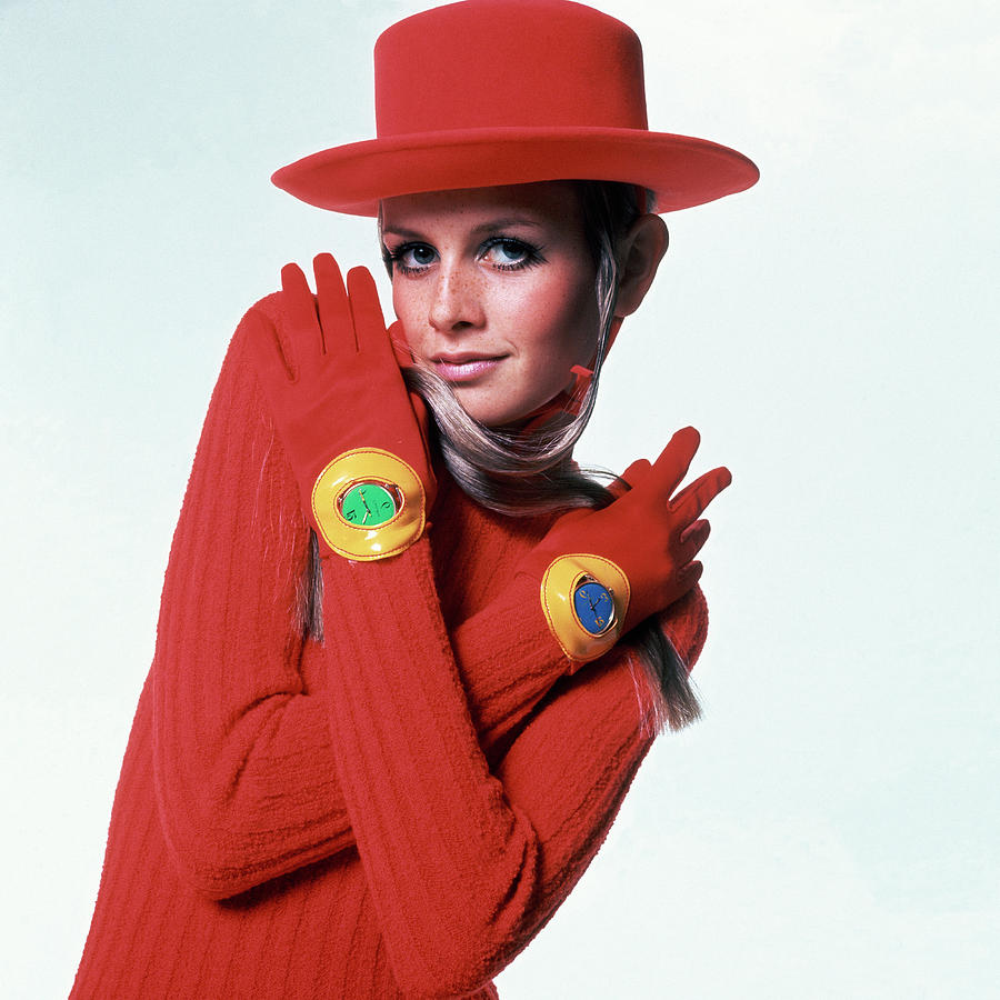 Twiggy In Red Photograph by Bert Stern