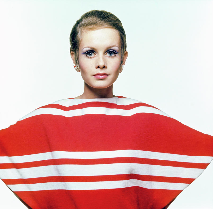 Twiggy In Red Striped Coverup Photograph by Bert Stern