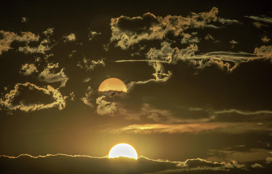Two Suns Setting by Janice Bennett