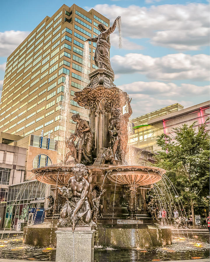 Tyler Davidson Fountain 1 by Keith Allen