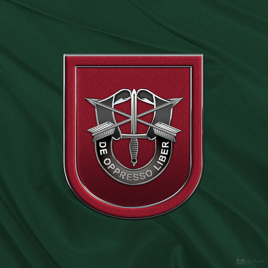 ddc8b237d3900 U. S. Army 7th Special Forces Group - 7 S F G Beret Flash Over Green Beret  Felt. Introducing  Military Insignia   Heraldry  collection by Serge  Averbukh ...