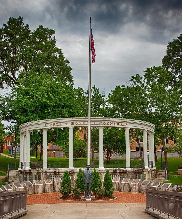University Of North Alabama Photograph - University Of North Alabama Memorial by Mountain Dreams