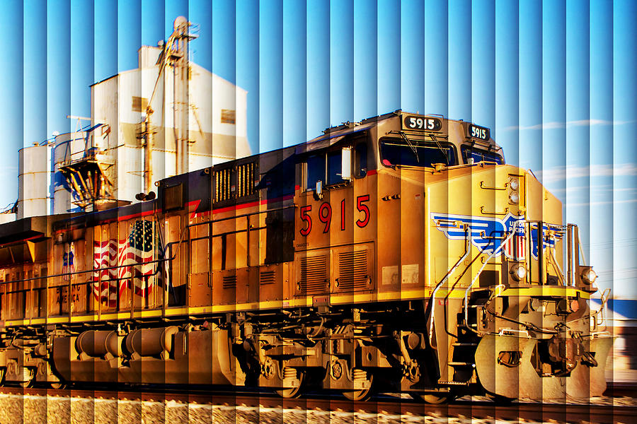 Blinds Photograph - Up 5915 At Track Speed by Bill Kesler