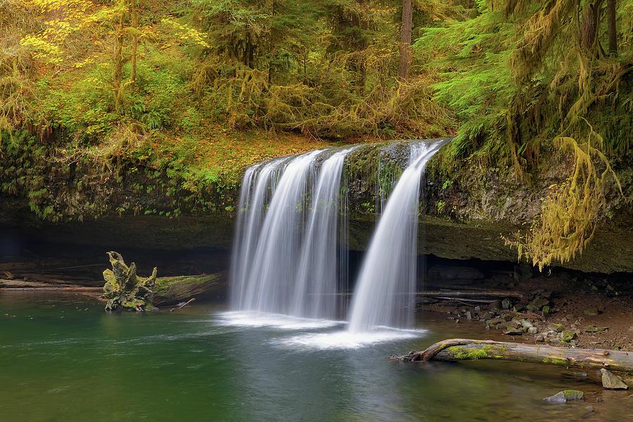 Upper Butte Creek Falls Photograph - Upper Butte Creek Falls In Autumn by David Gn