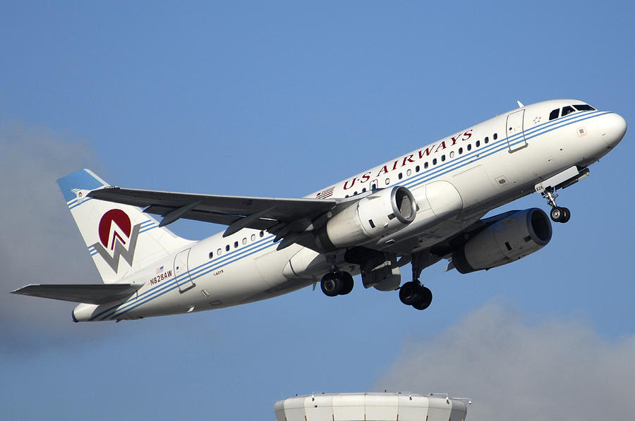 Airplane Photograph - Us Airways Airbus A319-132 N828aw Phoenix Sky Harbor December 23 2010 by Brian Lockett